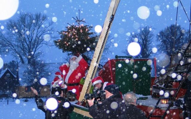 Julemanden ankommer til Rørvig - Rørvig Handels- og Håndværkerforening.